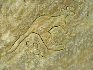 kangaroo_art_rock_engraving